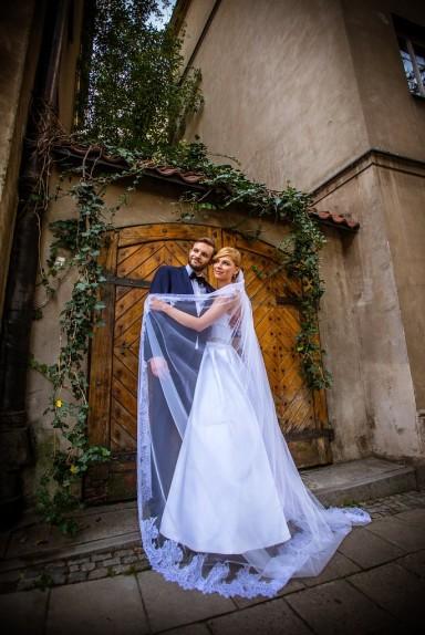 stare uliczki sesja ślubna
