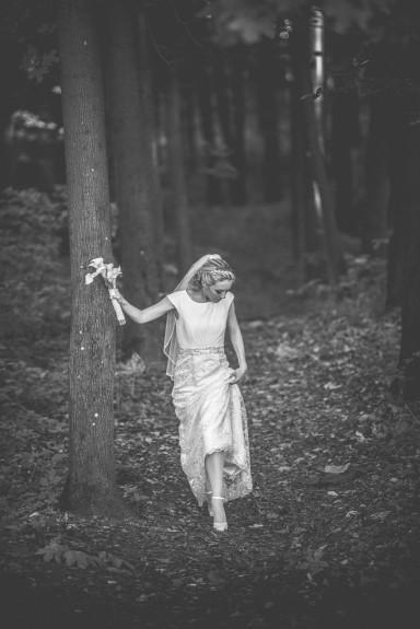 sesja ślubna w lesie