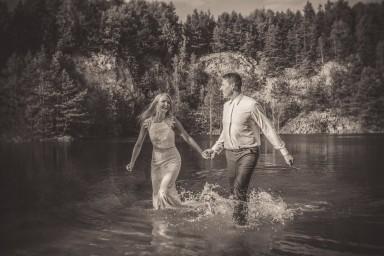 zdjęcie ślubne w wodzie