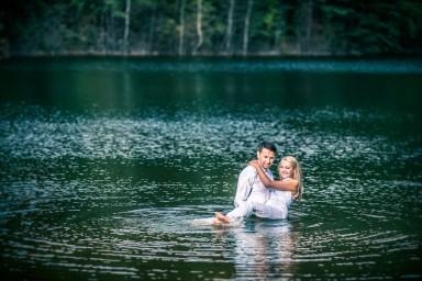 fotografia ślubna w wodzie