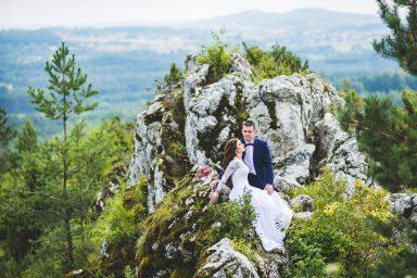 sesja ślubna na skałach